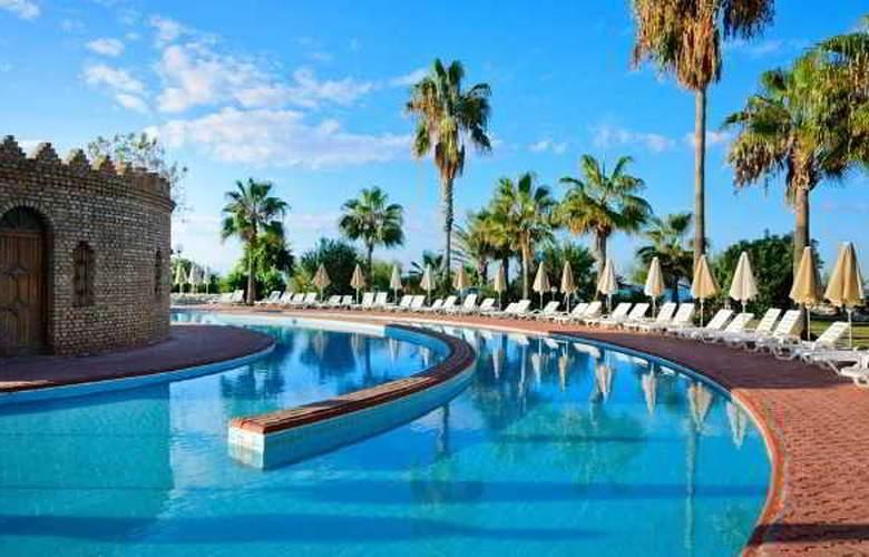 MC Beach Park Resort Hotel & Spa - Pool - 12