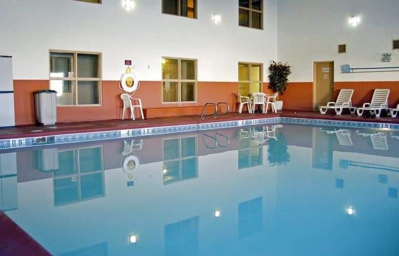 Best Western Plus Executive Suites Albuquerque - Pool - 14