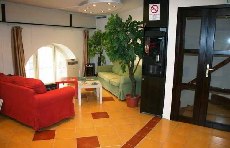 Hello Budapest Hostel - Hotel - 1