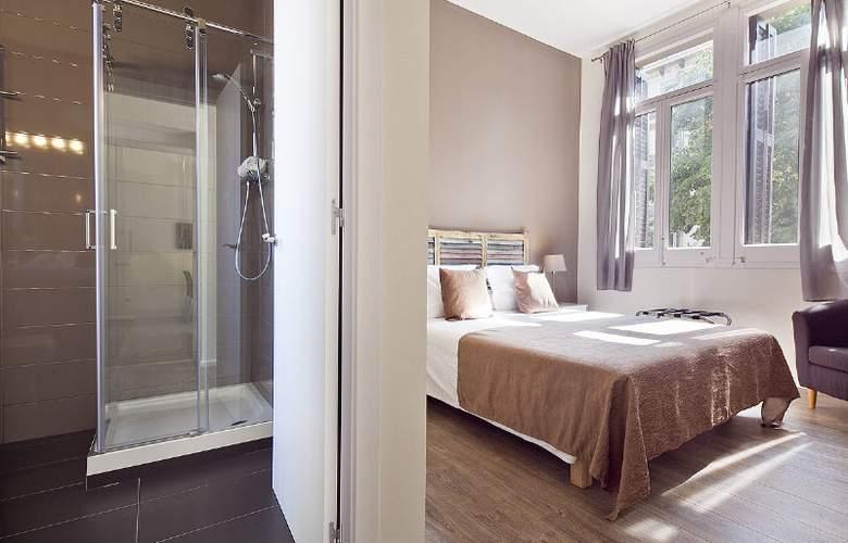 Aspasios 42 Rambla Catalunya Suites - Room - 11