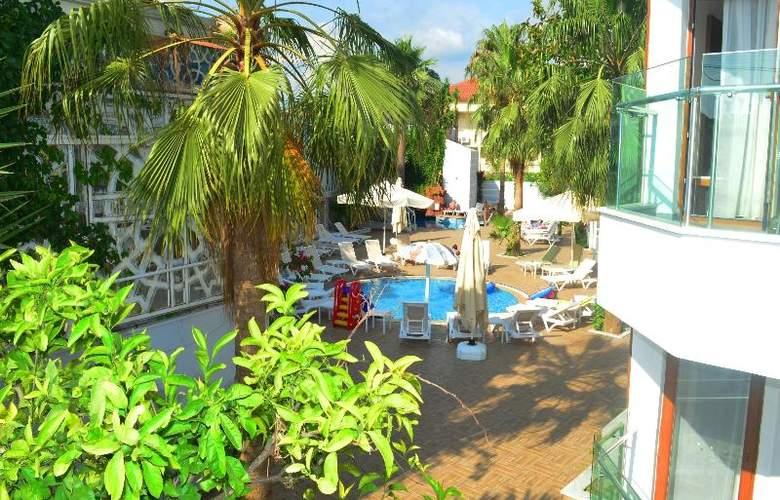 Sunbird Apart Hotel - Pool - 25