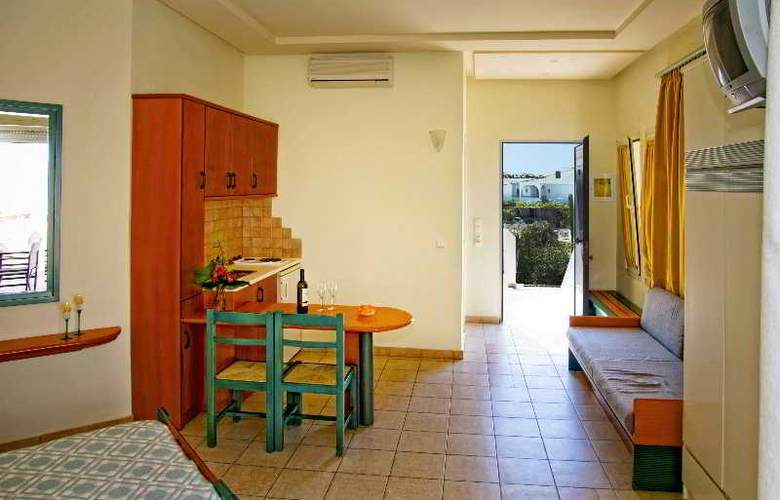 Papadakis Apartments - Room - 7