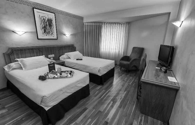 Sercotel Ciudad de Burgos - Room - 44