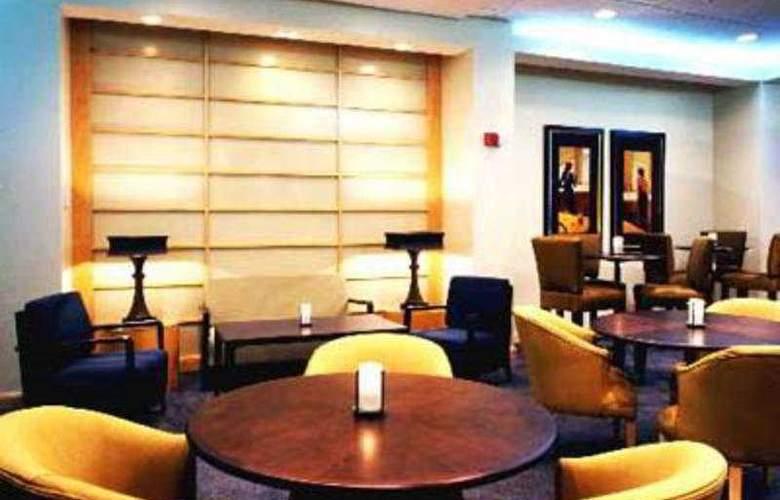 Crowne Plaza Hotel Ocean Front - Singer Island - Restaurant - 5