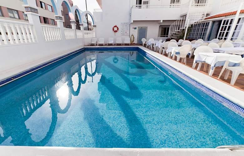Lux Mar - Pool - 17