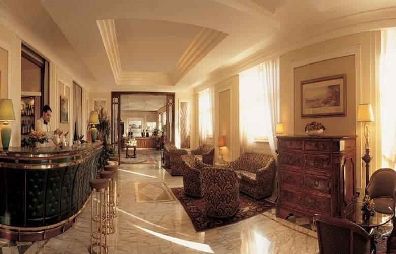 Grand Hotel Vesuvio Naples - Bar - 9