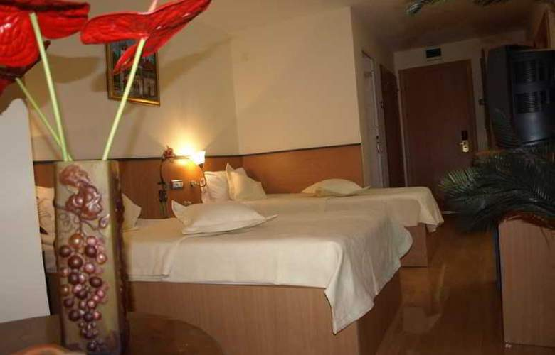 Voila Hotel - Room - 5