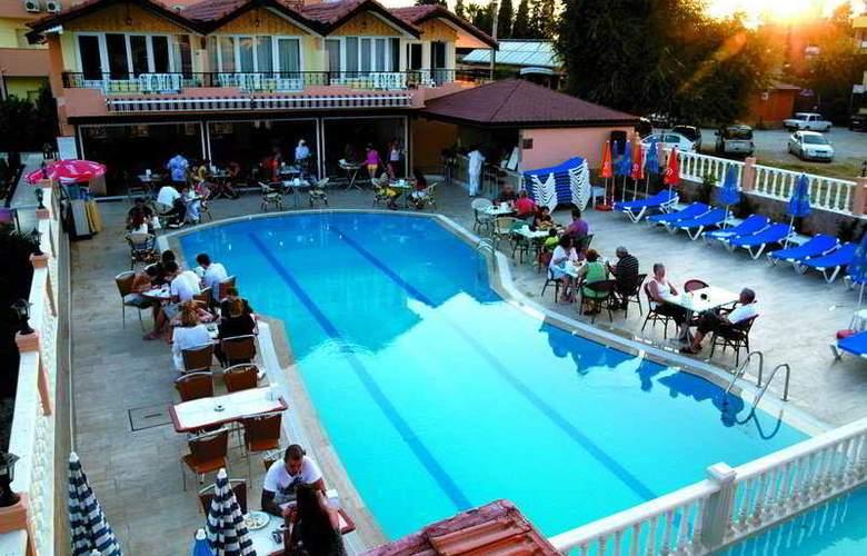 Sayanora Park - Pool - 6