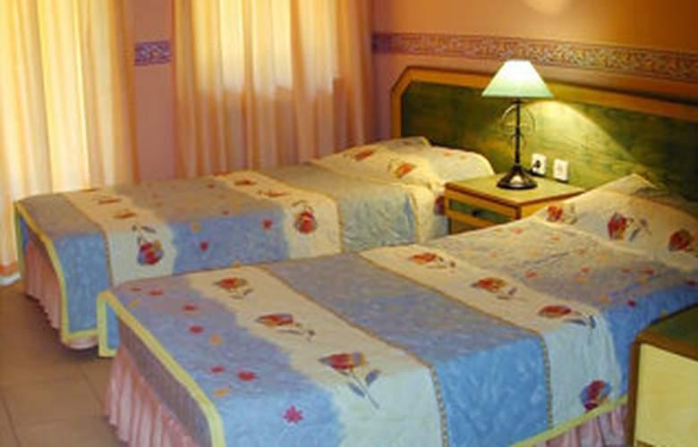 Club Petunya Apart - Room - 3
