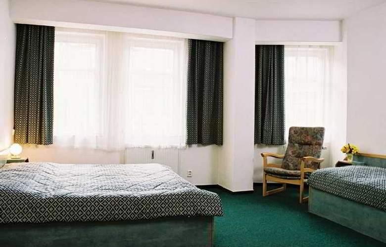 Amadeus Aparthotel - Room - 9
