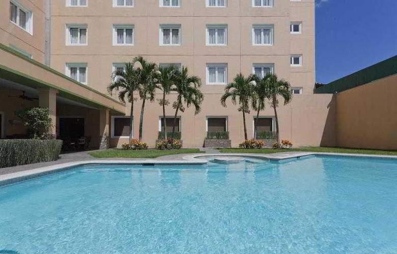 Holiday Inn San Salvador - Pool - 19