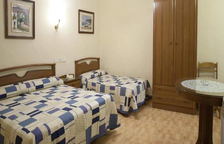 Hostal Maria Luisa - Room - 15