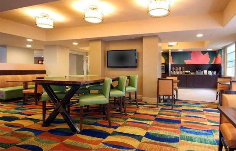 Fairfield Inn & Suites San Diego Old Town - Restaurant - 6