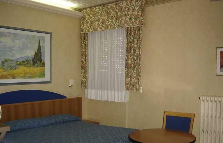 Ambra Palace Pescara - Room - 5