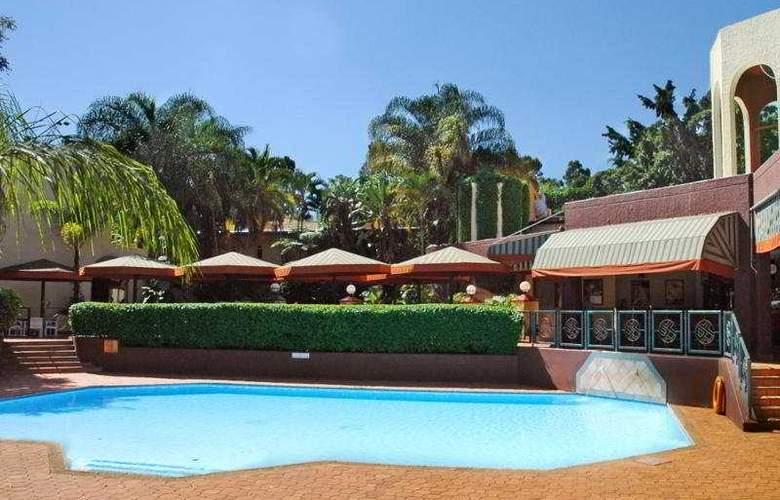 Metcourt at Khoroni - Pool - 2