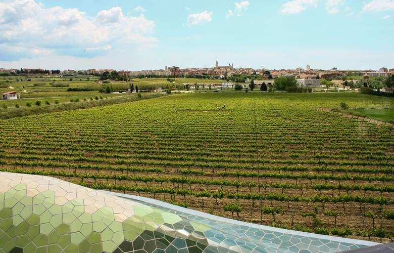 Domus Selecta Cava & Hotel Mastinell - Environment - 4