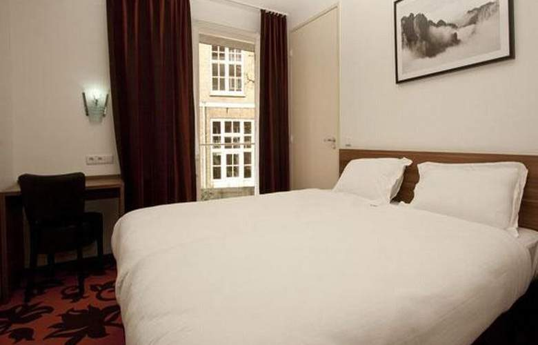 BRONCKHORST - Room - 2