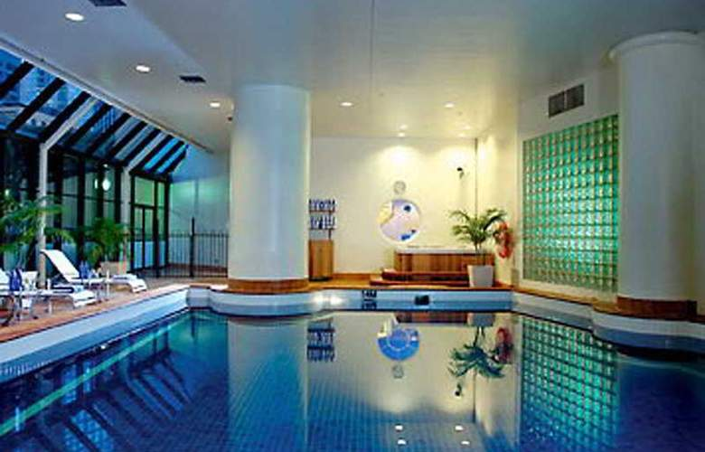 Sydney Harbour Marriott Hotel at Circular Quay - Pool - 6