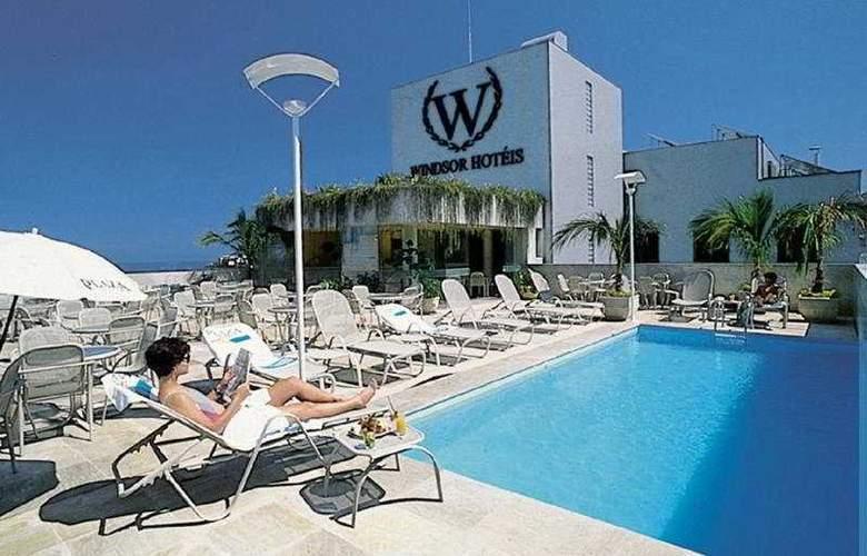 Windsor Plaza - Pool - 4