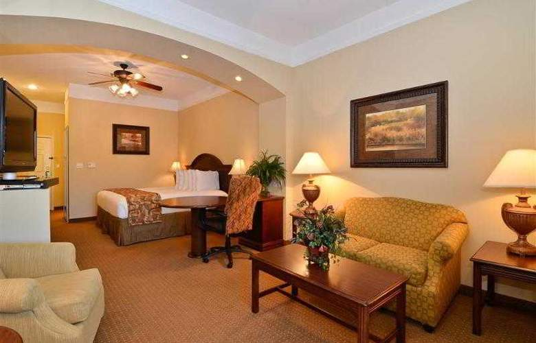 Best Western Plus Monica Royale Inn & Suites - Hotel - 44