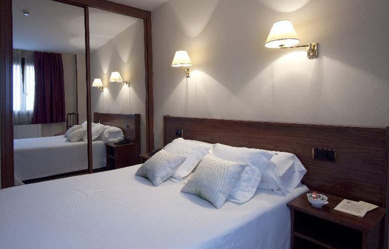 Arias Apartamentos (Anexo) - Room - 5