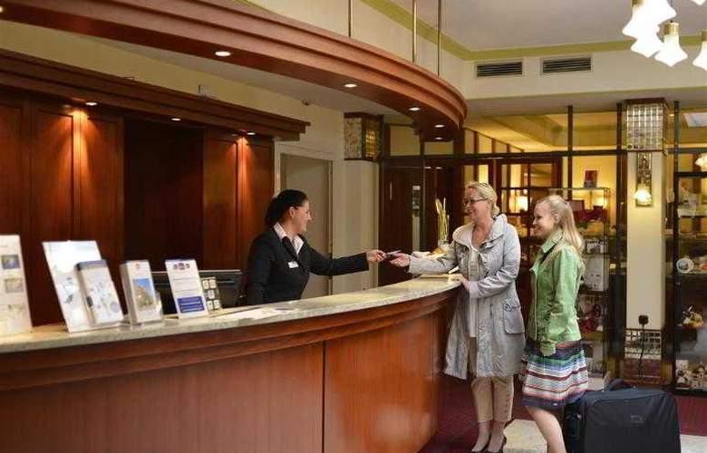 Best Western Hotel Excelsior - Hotel - 12
