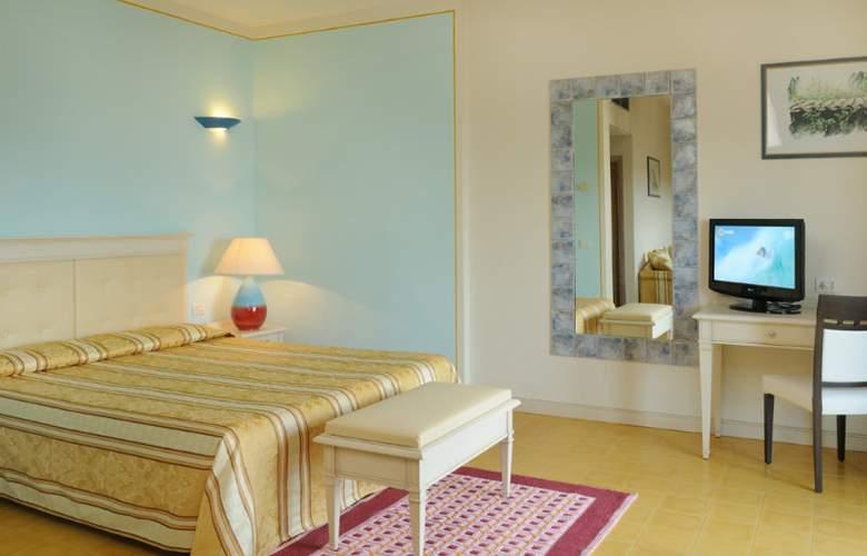 Catalunya - Room - 3
