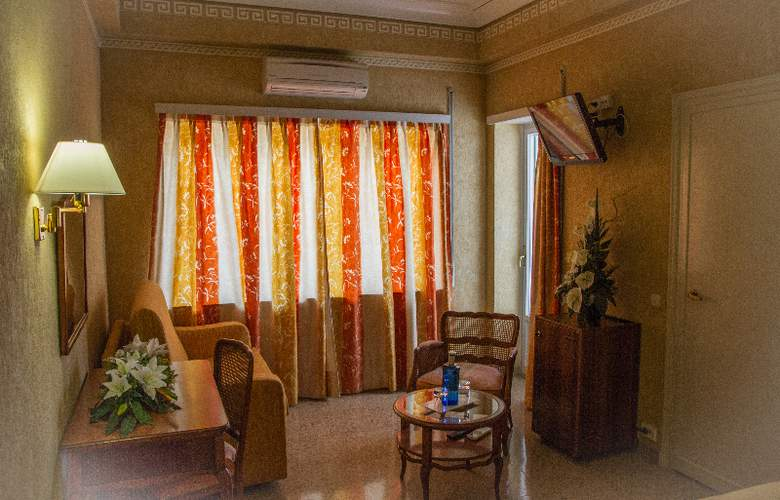 Gran Hotel Delfin - Room - 9