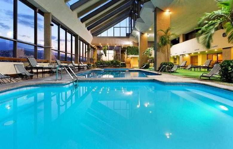 Crowne Plaza Monterrey - Pool - 20