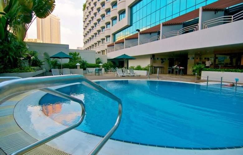 Swiss Garden Bukit Bintang, Kuala Lumpur - Pool - 5