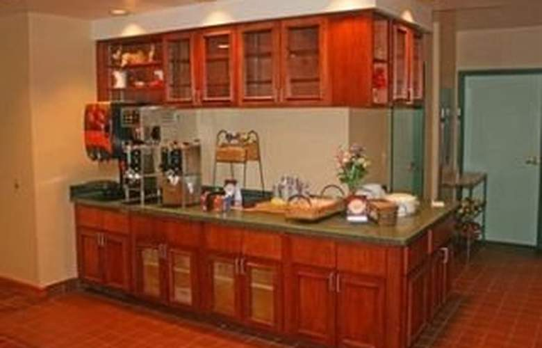 Mainstay Suites Fort Myers - Bar - 7
