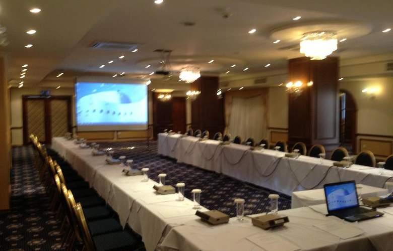 Aquamare Beach Hotel & Spa - Conference - 21