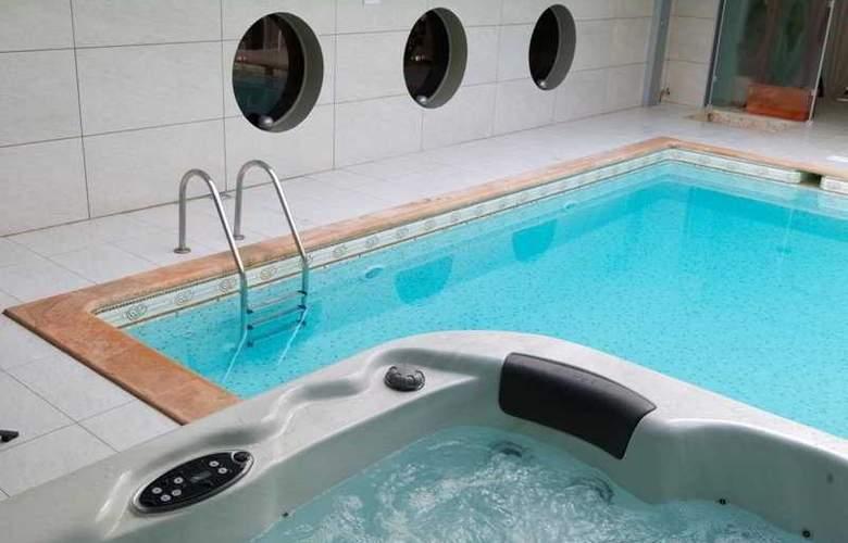 Nice Riviera - Pool - 5