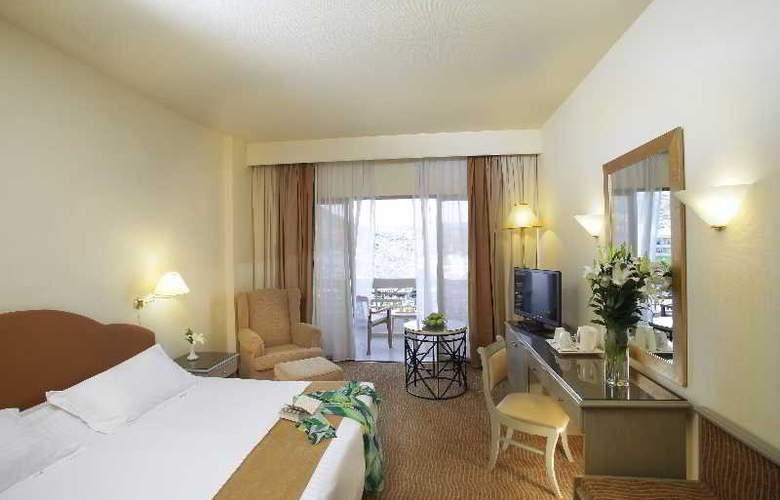 Grand Resort - Room - 8