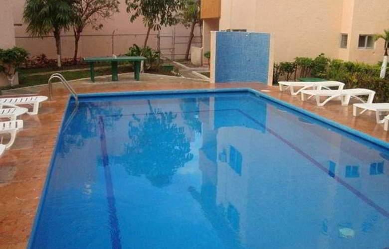 Grand Royal Lagoon - Pool - 4