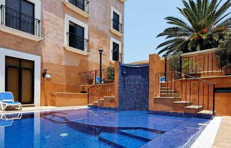 Holiday inn Express Oaxaca Centro Historico - Pool - 20