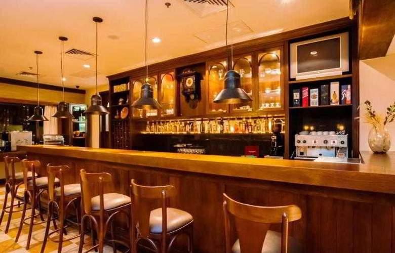 Alpenhaus - Bar - 2