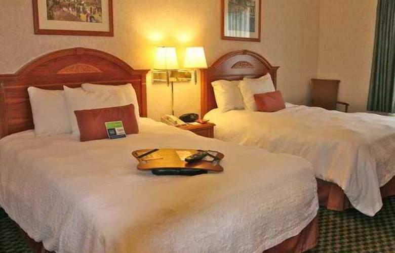 Hampton Inn Columbus I-70E Hamilton Rd. - Hotel - 1