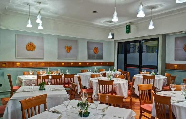 Best Western Plus Universo - Restaurant - 24