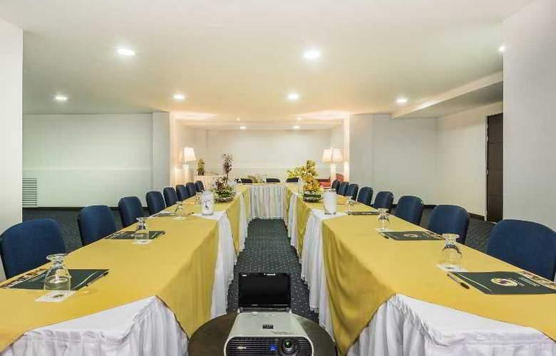 Egina Medellin - Conference - 37