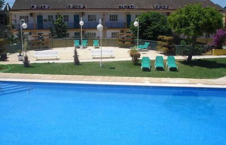JM Jardin de la Reina - Pool - 5