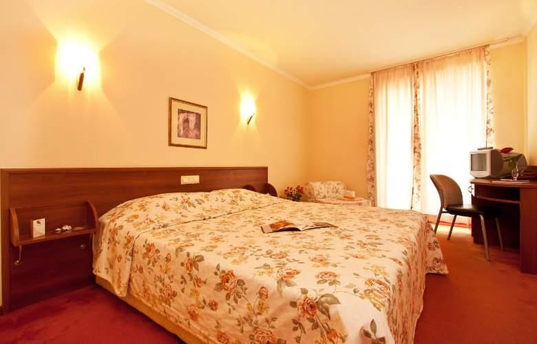 St. George - Room - 10