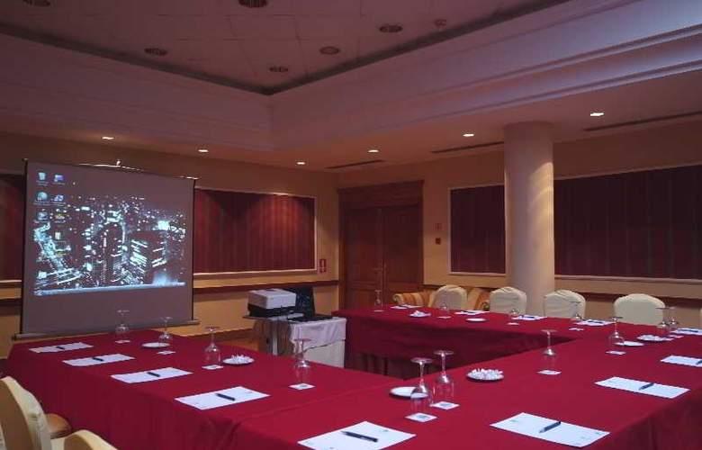Hoyuela - Conference - 27