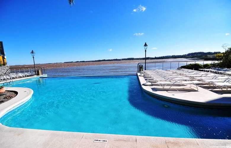 Radisson Colonia del Sacramento Hotel & Casino - Pool - 42