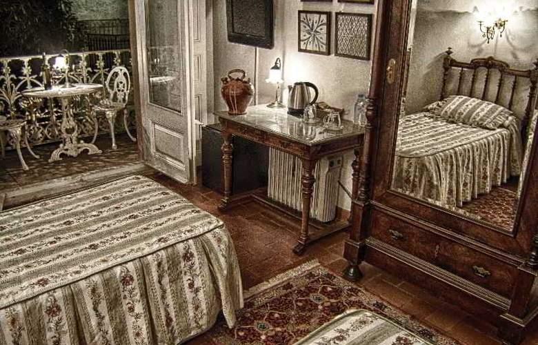 Medieum Renaixença - Room - 10