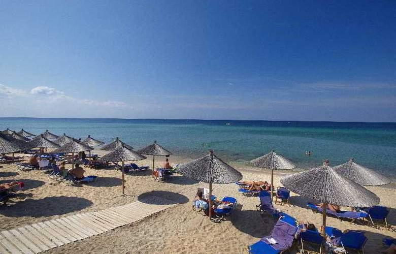 Pomegranate Wellness  Spa Hotel - Beach - 7