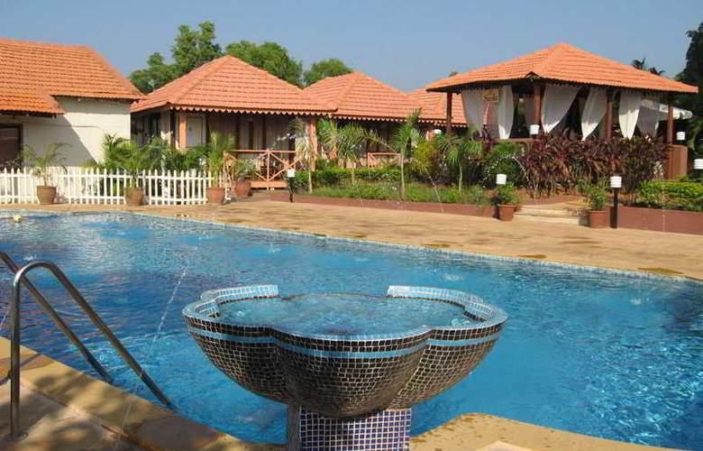 Goa Beach House - Pool - 6