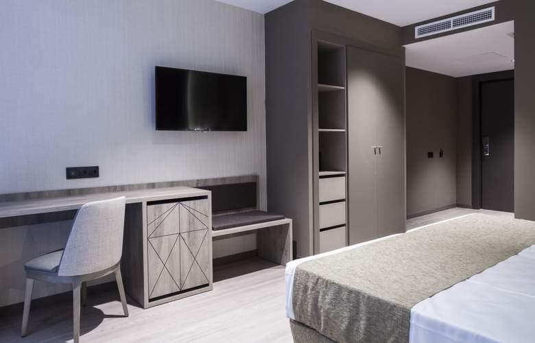 Bristol - Room - 16