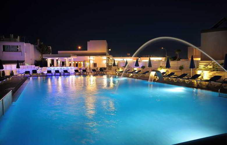 Euronapa Hotel Apartments - Pool - 11
