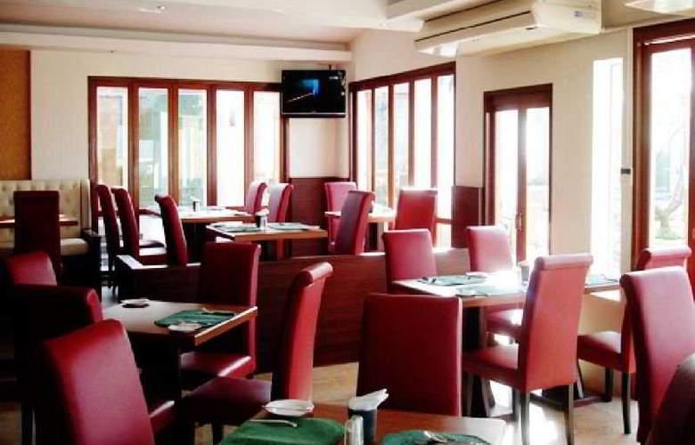 Suvarnabhumi Suite - Restaurant - 7